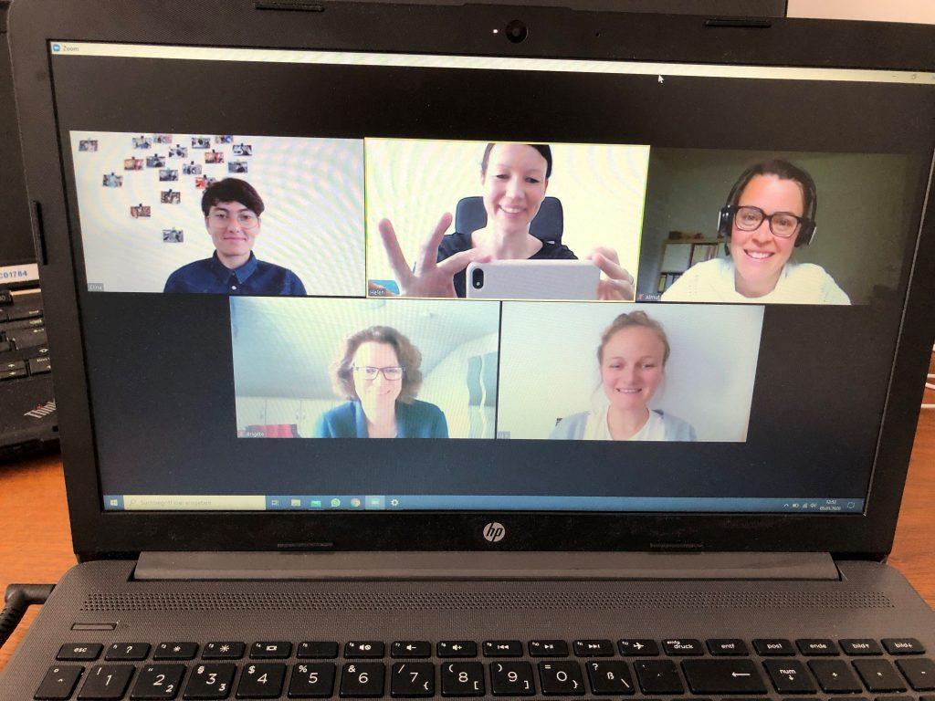 Team Anerkennung beim gemeinsamen Zoom-Meeting